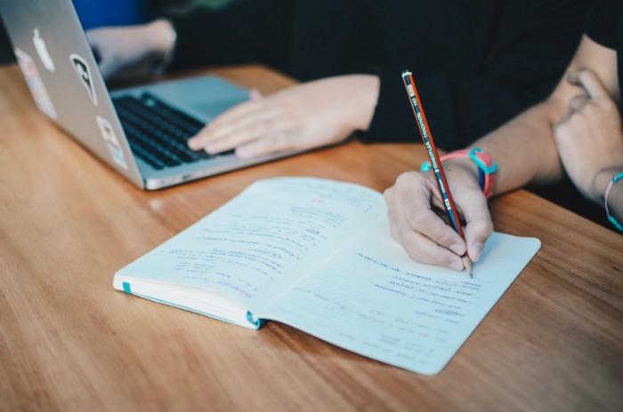 大学生が学ぶべき英語はTOEICではない理由