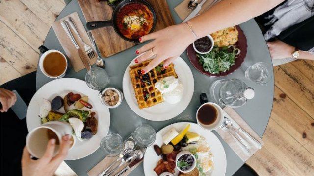 レストランで役立つ英語|注文から支払いまで完璧解説